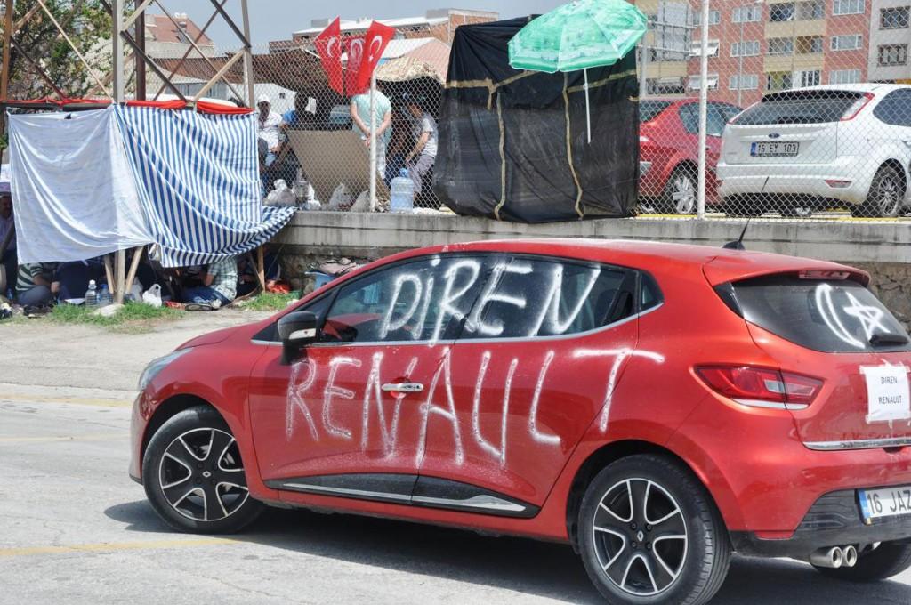 İşçiler #direnRenault diyor...